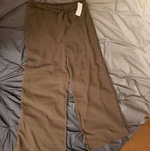 NWT Wide leg pants